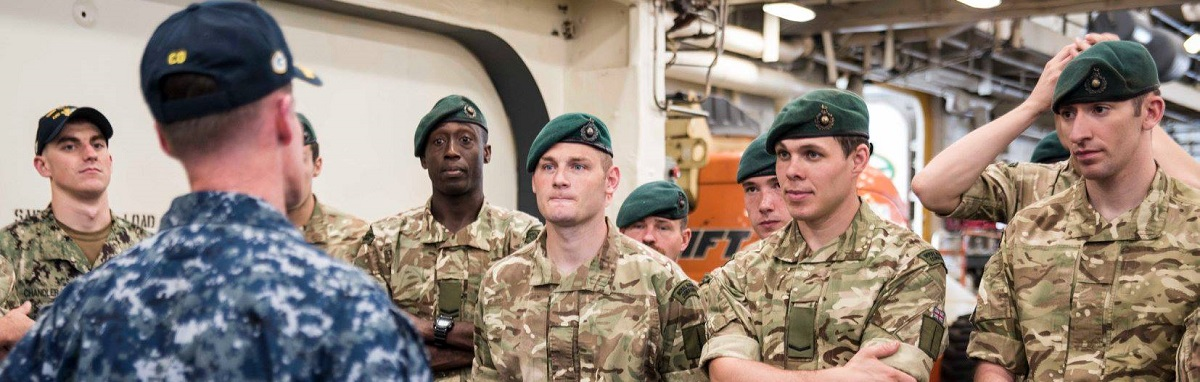 HMS Albion (L14) Royal Marines tour USS Green Bay